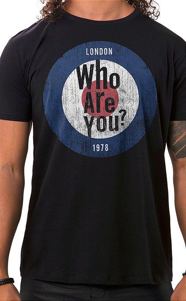 Camiseta Masculina Who Are You Preta