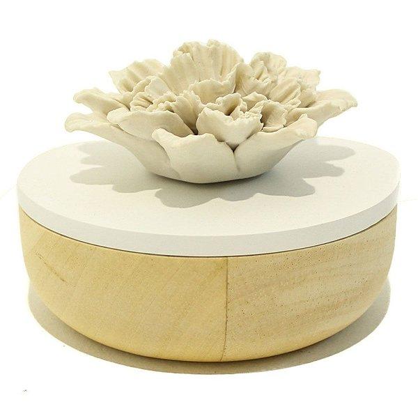 Caixa em madeira e cerâmica com flor