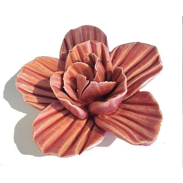 Flor decorativa em cerâmica