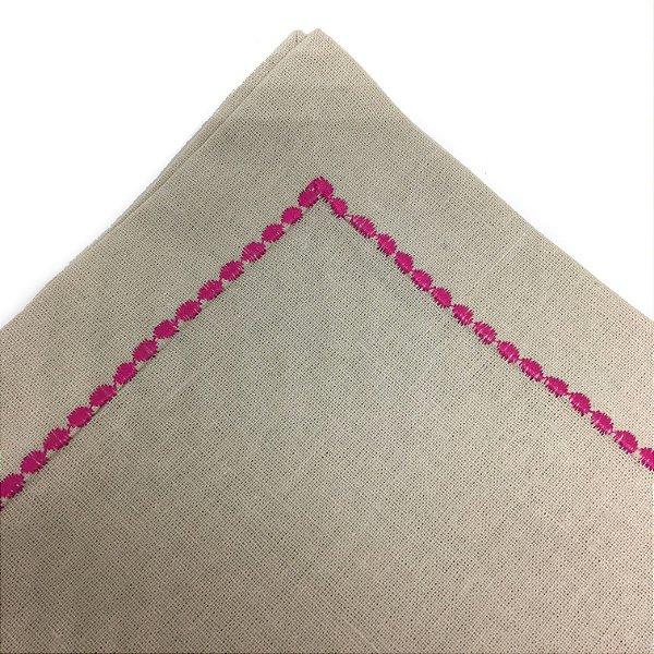 Guardanapo em linho rústico palha com bordado pink
