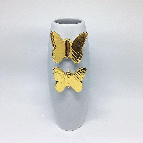 Vaso em porcelana branca com borboleta dourada