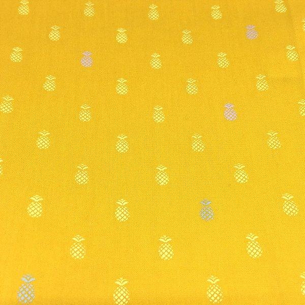 Guardanapo em tecido amarelo estampa abacaxis