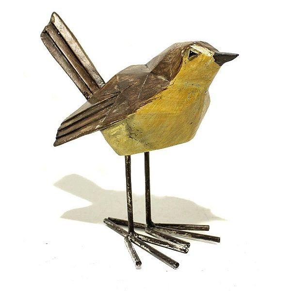 Pássaro decorativo marrom e amarelo