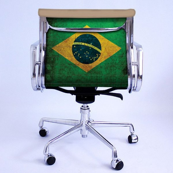 Cadeira Eames Office Brasil