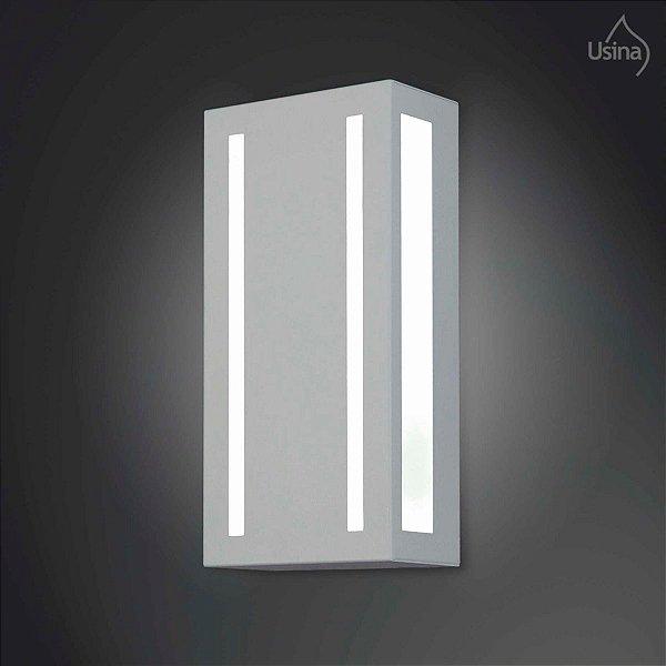 Arandela Retangular Externa Alumínio Fosco Luz Frontal Facho 40x15 2012 Usina Design E-27 5150/40 Muros e Jardins