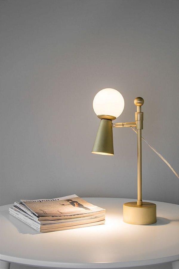 Abajur Golden Art Pivô - Luminária de mesa 2 focos de luz e regulagem de altura.
