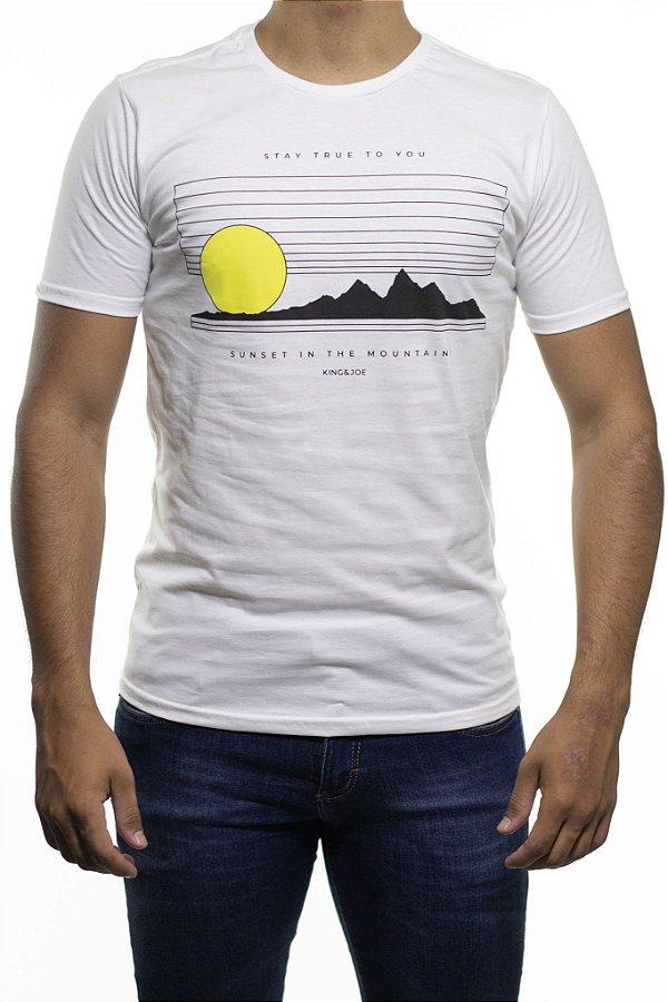 Camiseta Malha King e Joe Sunset Mountains Off White