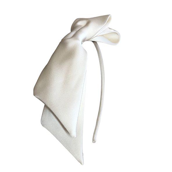 Tiara com Laço Lateral Cetim Off-White
