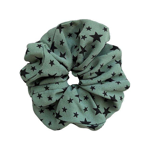 Elástico - Scrunchie de Crepe Verde com Estrelas