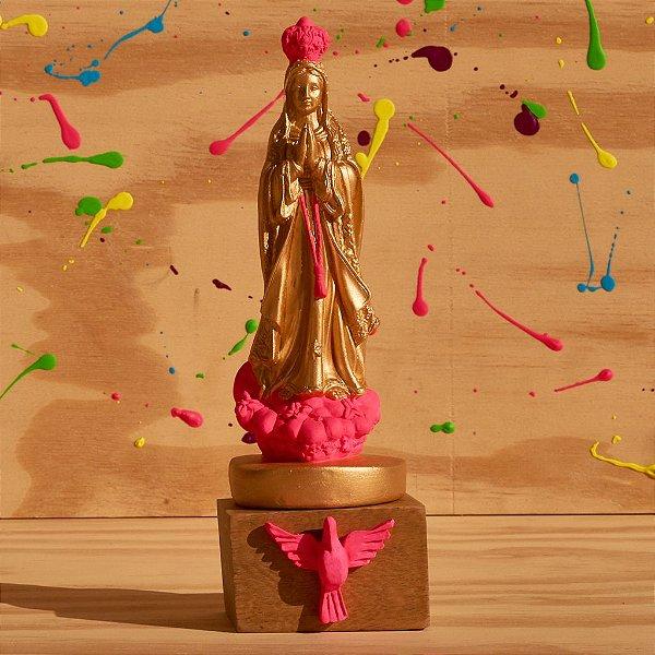 Nossa Senhora de Fátima - Dourada com Pink Neon