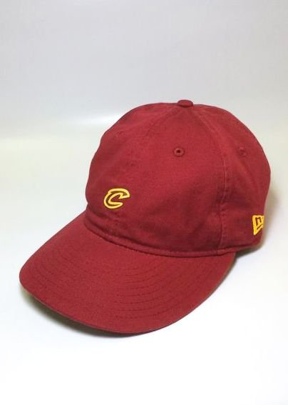 Boné New Era CAVS Mini C Vinho