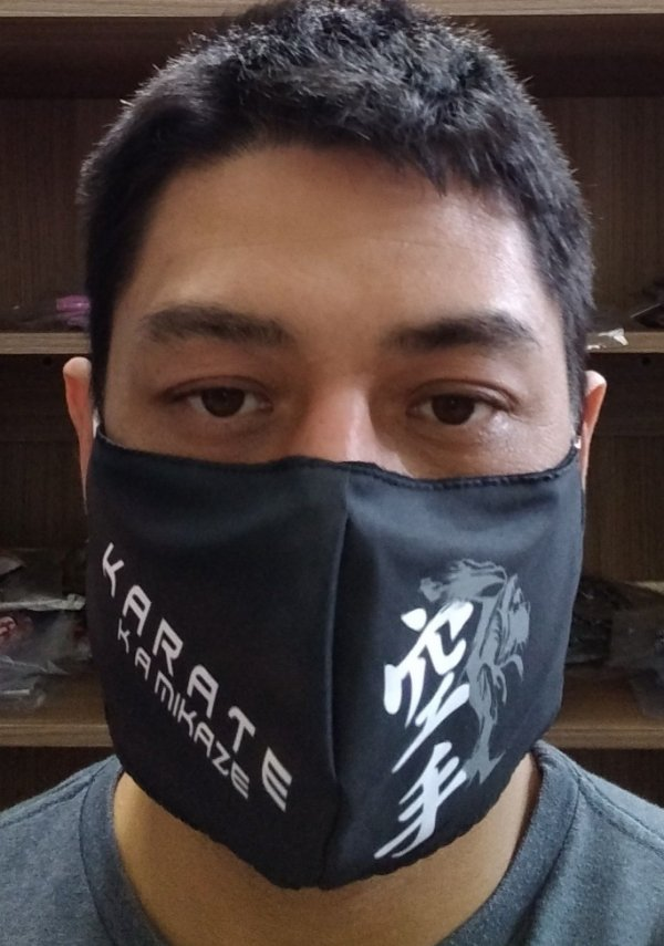 Máscara Preta Karate