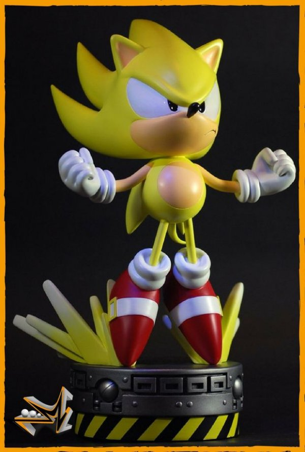 Super Sonic V2 The Hedgehog Sega - First 4 Figures