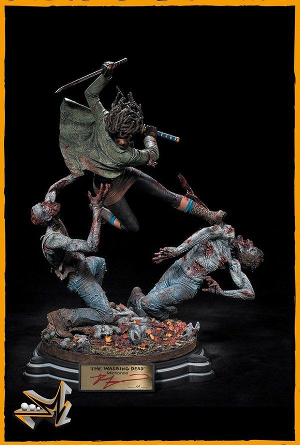 Michonne Sword Zumbis Diorama The Walking Dead - McFarlane