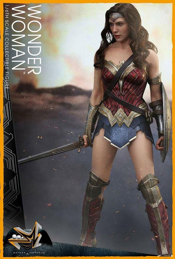 Mulher Maravilha 1/6 Dc Comics - Hot Toys (reserva de 10% do Valor)