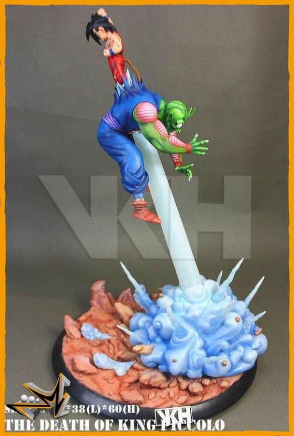 Goku Vs Piccolo Diorama com LED Dragon Ball - VKH