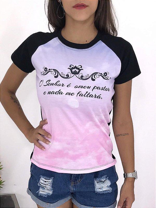T-SHIRTS FEMININA RAGLAN PRETO O SENHOR É MEU PASTOR