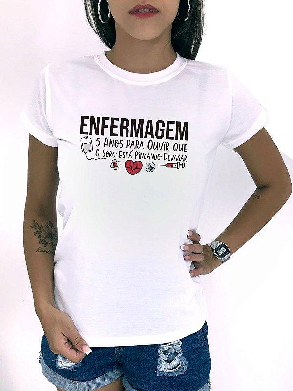 T-SHIRTS FEMININA POLIÉSTER OFF ENFERMAGEM 5 ANOS