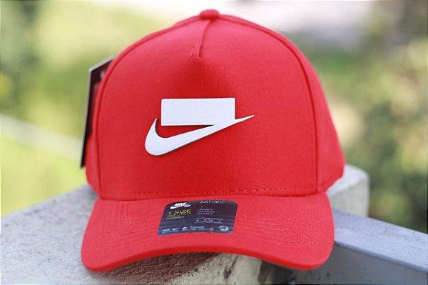 Cap Nike Sportswear Red Snapback Aba Curva