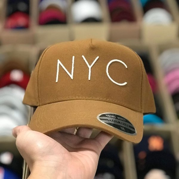 Cap Young Money New York City Caramel Snapback Aba Curva