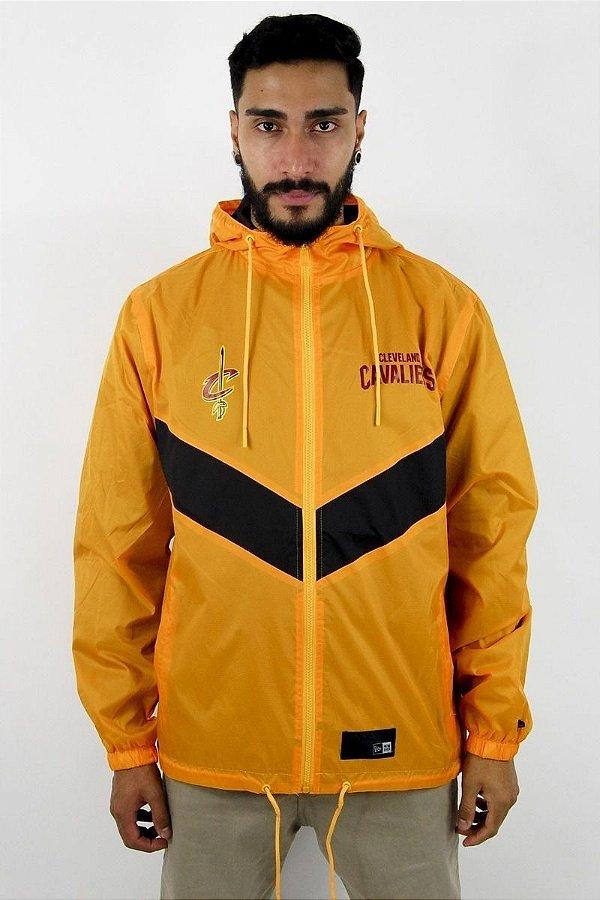 Jaqueta Corta Vento New Era Cleveland Cavaliers Yellow