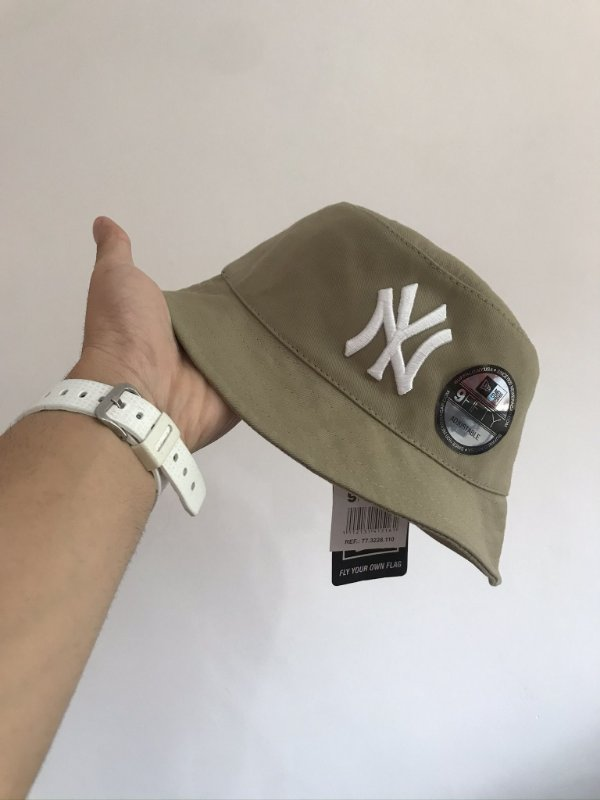 Bucket Hat New Era New York Yankees Sand White
