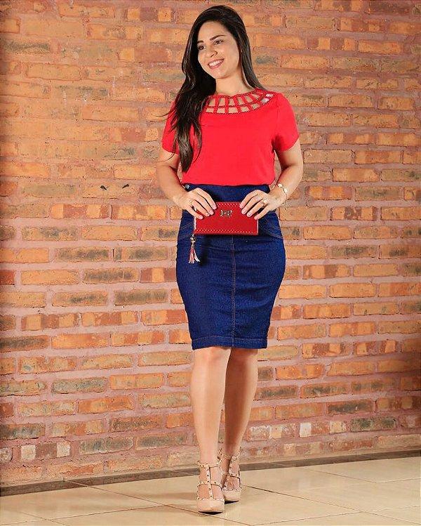 Blusa em Viscose com Gola detalhe bordado Vermelha Moda Evangélica