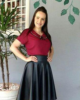 Blusa Vinho Viscose Detalhe com Pedraria Bordada Moda Evangélica