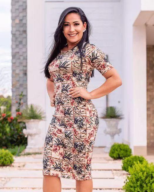 Vestido Tubinho Quadros de Flores Moda Evangélica