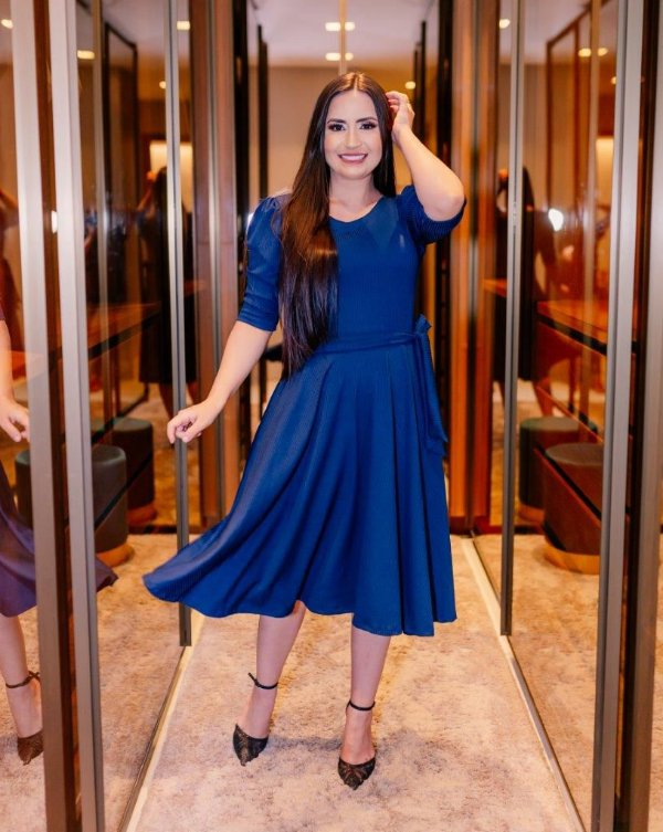 Vestido Midi Godê Azul Marinho Malha Canelada