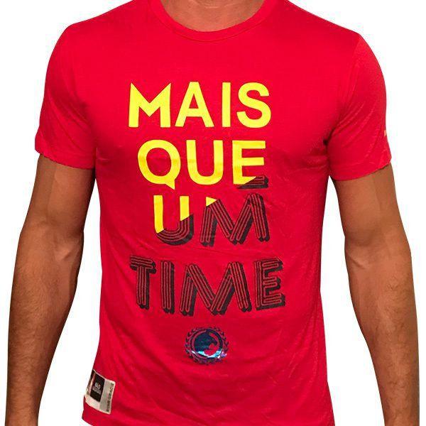 """Camiseta """"Mais Que Um Time"""""""