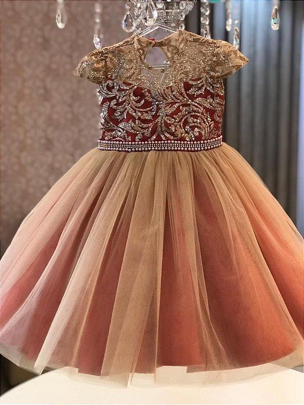 Vestido em Tule Francês