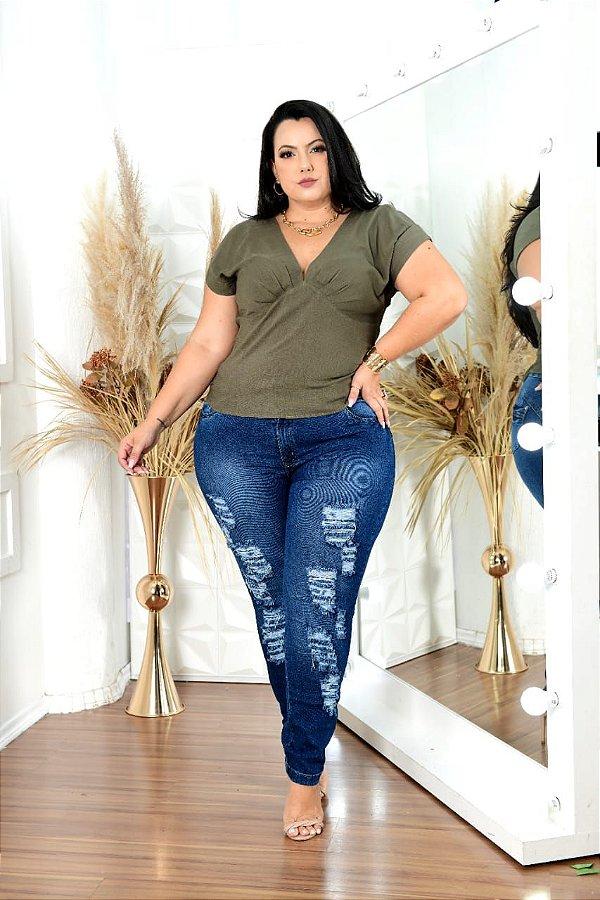 Calça jeans destroeyd plus size