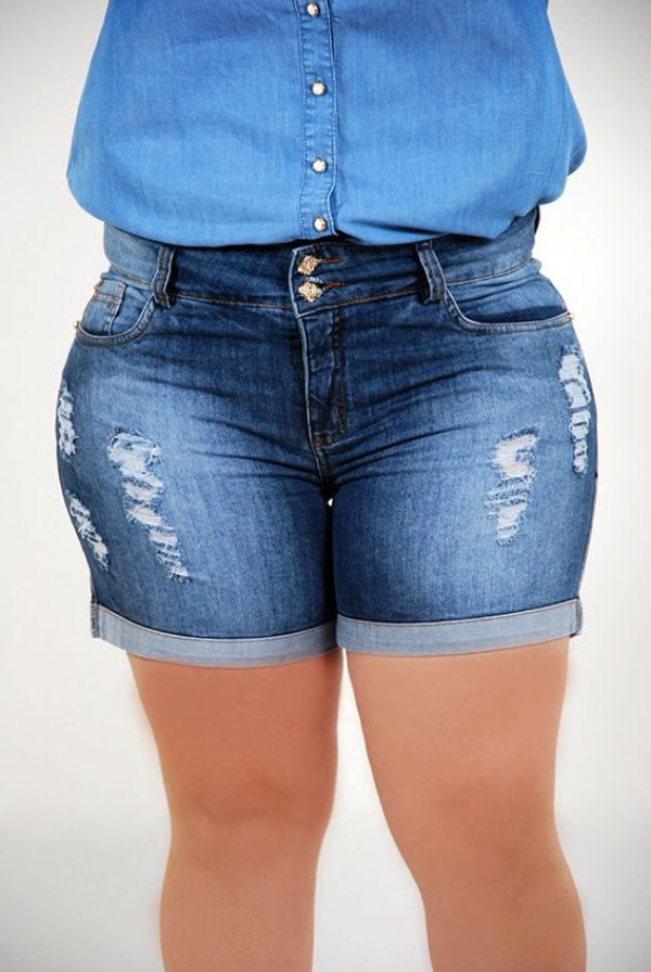 e6e096e645 Short Destroyed com Barra Virada com Elastano - Camilly Plus Size