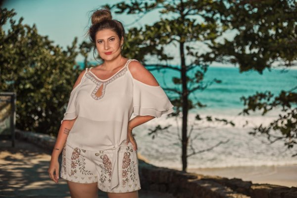 Short bordado Plus size