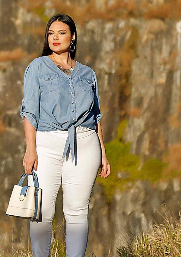 Camisa jeans gola v plus size