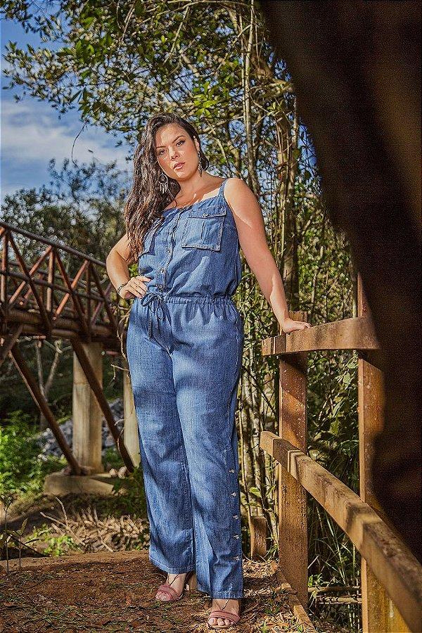 Macacão jeans longo Plus size