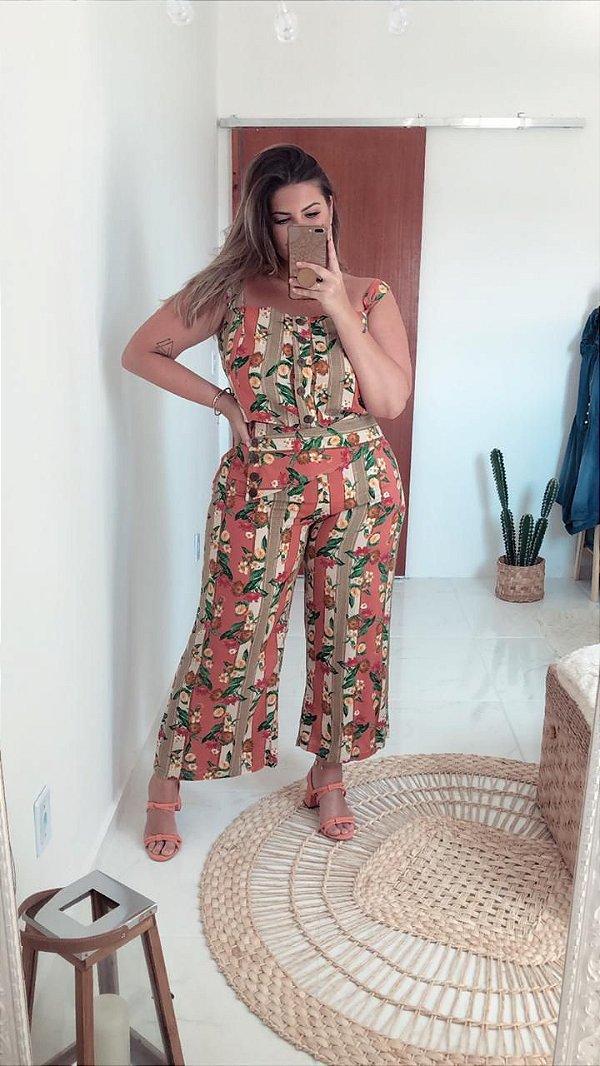 Conjunto de blusa e calça pantacurt plus size