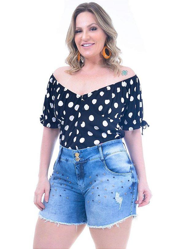 Short jeans com perola plus size