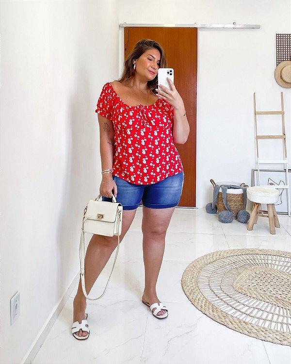 Blusa em estampa em florzinha plus size