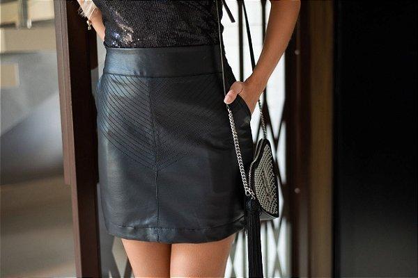 Shorts saia couro ecológico