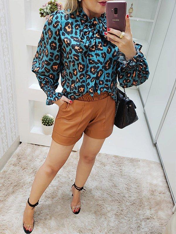 Shorts couro  ecológico Aline