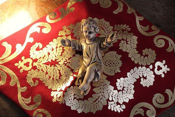 Toalha e Apoio para Imagem Vermelha e Dourado e Vermelha e Prata