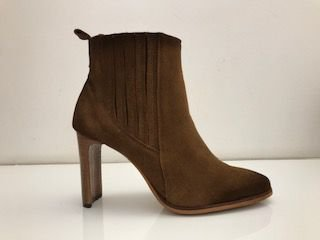 BOTA QUEEN SHOES PELICA CANELA