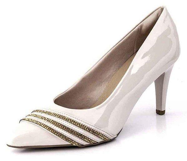 Sapato Scarpin Listras Cravejado Verniz Creme