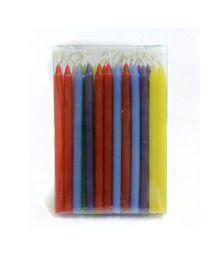 Caixa com 44 velinhas coloridas. Composição: 10% parafina, pavio e corante. Medem 16,5 cm de altura e 1 cm de espessura.