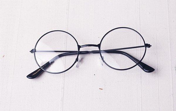 6ca026dac O Óculos de grau Redondo Preto é um diferencial para seu portfólio ...