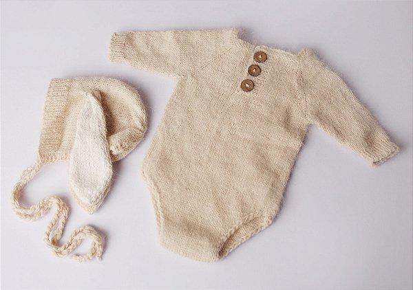 Body em Lã estilo Angorá para Acompanhamento de 03 a 10 meses com Touca de Coelho - Bege