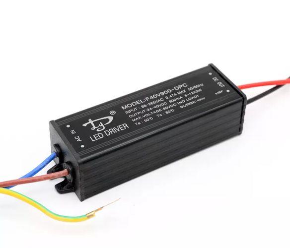 Fonte Driver 30W AC bivolt 24-40V 900ma IP65 K1526