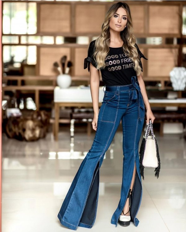 Calça Jeans Flare Fenda Frontal